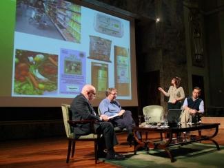 Un momento de la explicación de Cristina Yagüe sobre alimentos ecológicos