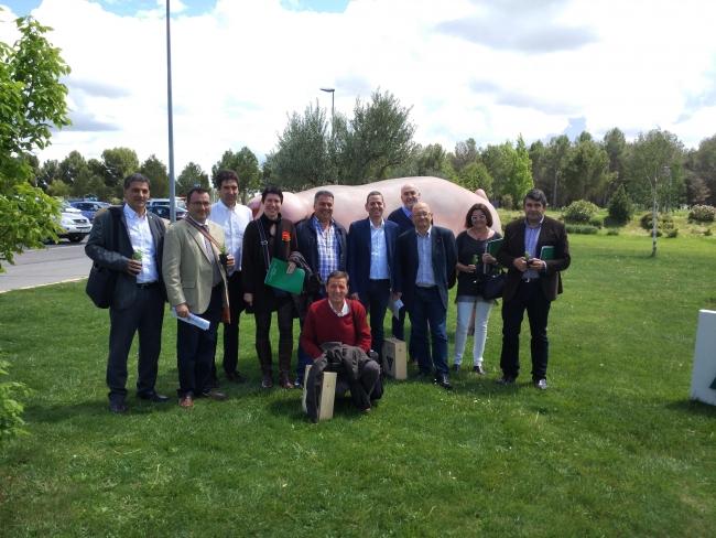 En la fotografía, representantes de la EPS, Colegios y AGROPAL