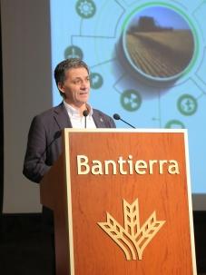 D. Ángel Jiménez Jiménez, decano del COIAANP en represantación de la Alianza Agroalimentaria Aragonesa